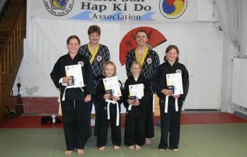 Teilnehmer der 30. Shinson Hapkido Kup  Prüfung im Dojang Hasselroth