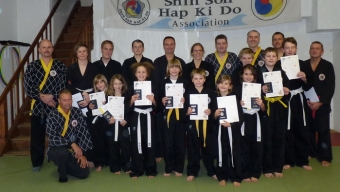 Teilnehmer der 39. Shinson Hapkido Kupprüfung im Dojang Hasselroth